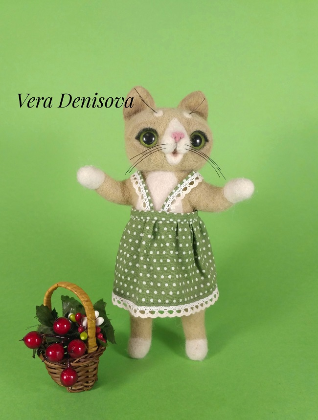 Игрушка из шерсти кошка Варя