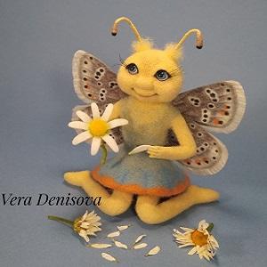 Бабочка из шерсти